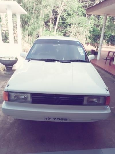Nissan Sunny FB12 1990