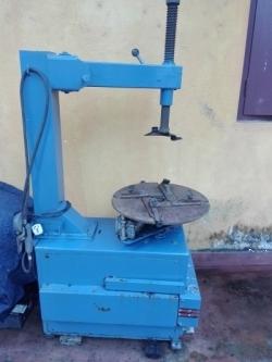 Tyer Changing Machine