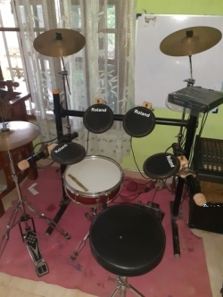 Drum Set & Mixer