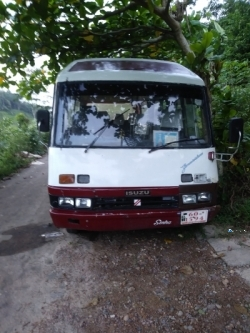 Isuzu Journey M Bus 1984