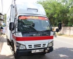 Isuzu ELF Freezer Truck 1999