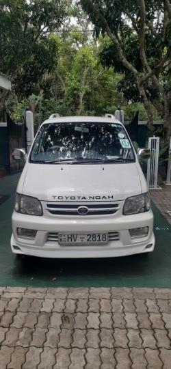 Toyota Noah CR42 2000
