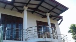 Upstairs House for Rent in Hokandara