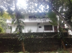 Twin House with Land for Sale in Avissawella