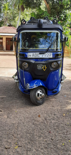 Bajaj RE 4 Stroke Three Wheel 2015