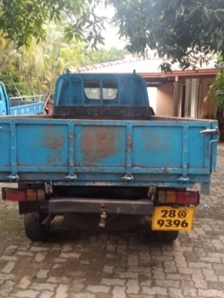 Isuzu Elf Single Wheel 1982