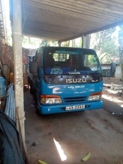 Isuzu ELF Single Wheel 1981