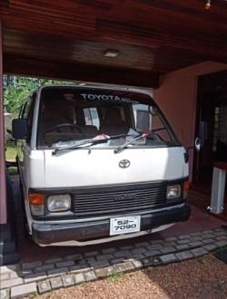 Toyota Hiace 1988
